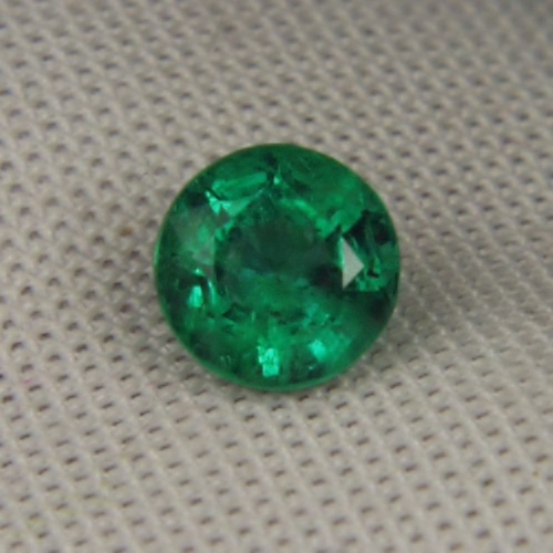 Great Color! Natural  Zambian Emerald Calibrated 6 mm!  GLI Litnon.com