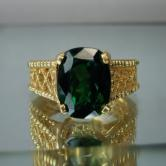 Beautiful 4 ct Intense Green Tsavorite Garnet 18 kt  Ring GLI